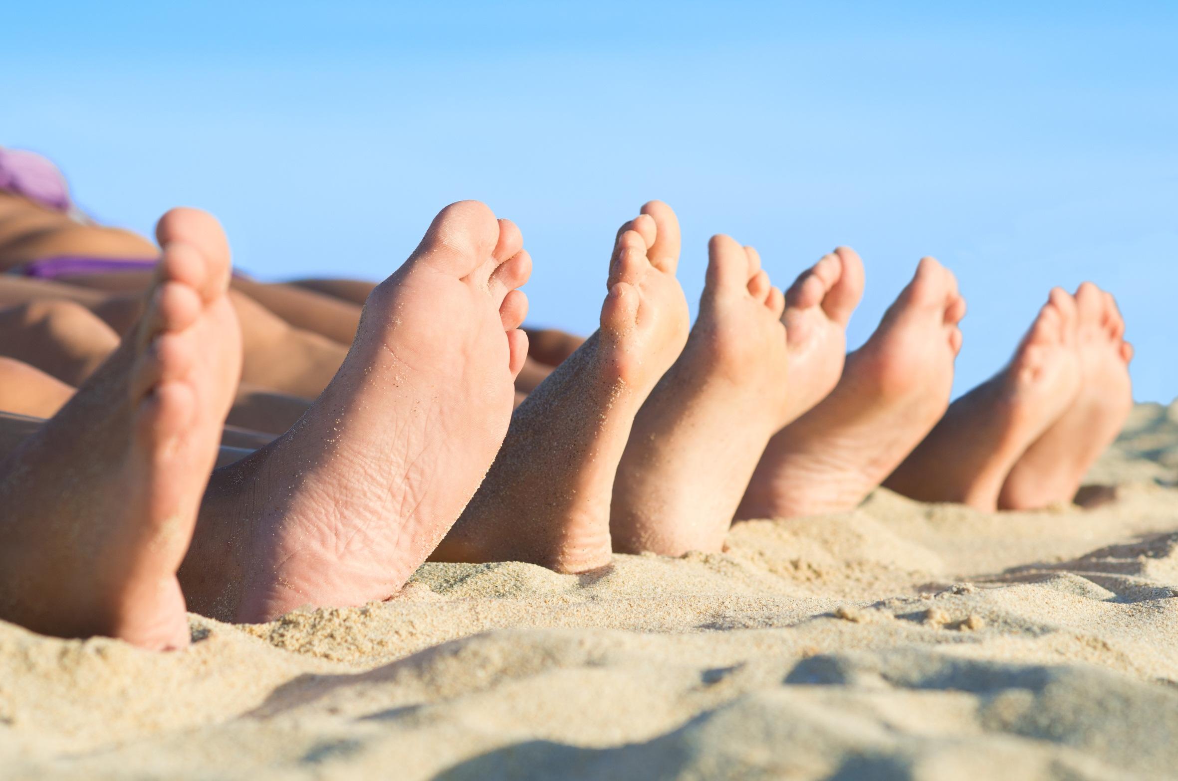feet-beach-sand-bunion